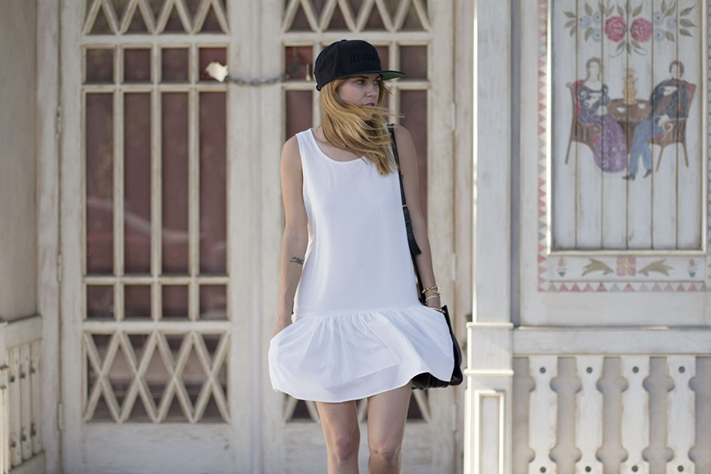 http://allinclusive.com.ua/wp-content/uploads/2018/08/lovers_and_friends_white_dress_3.jpg
