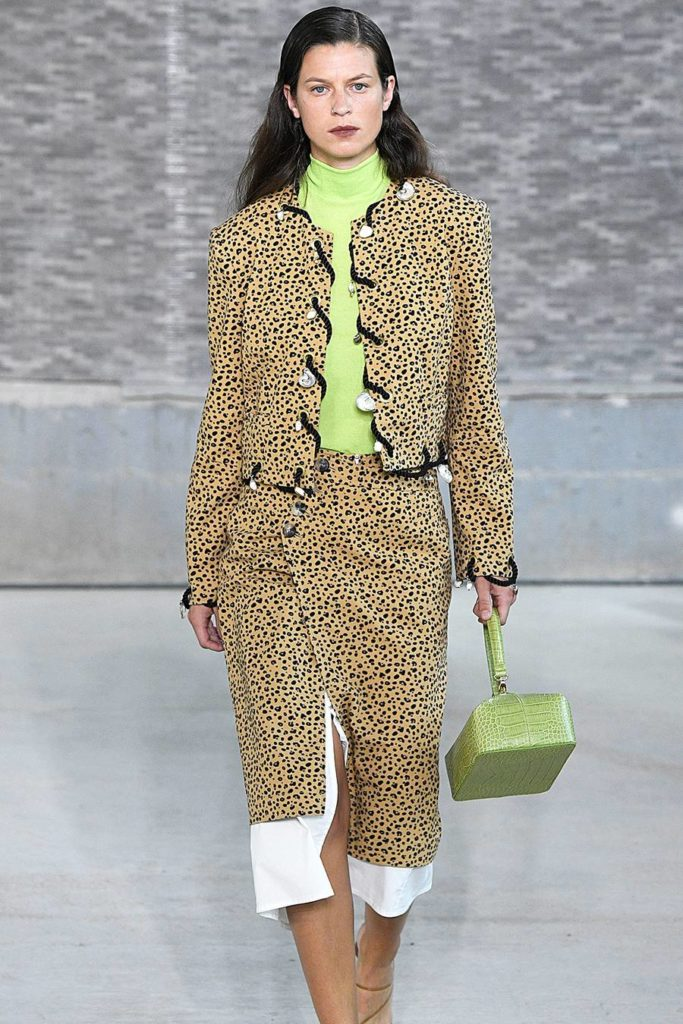 Green Fashion Trend 270300 1539780632554 Image.900x0c
